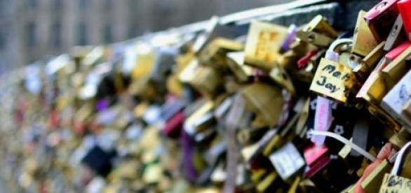Amor Sem Cadeados - Sentimentos e Segurança