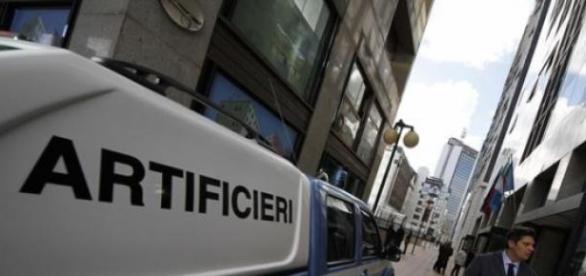 Atacurile cu explozibil la modă în Italia