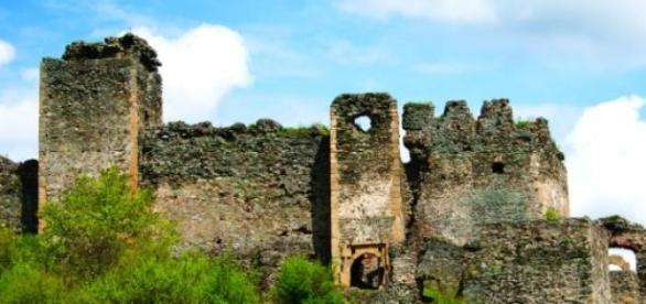 Cetatea Şoimoş văzută dinspre sud-vest