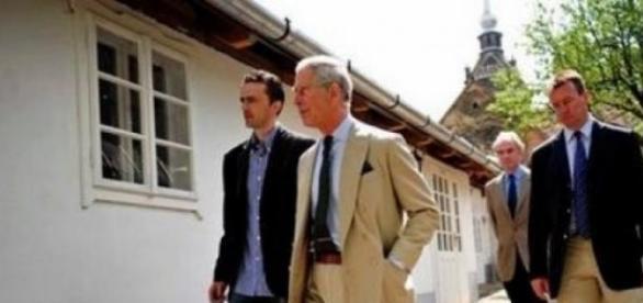 Prinţul Charles îndragostit de averi nu de România