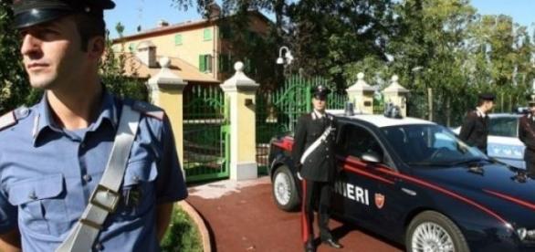 Carabinierii au de furca cu proxeneţii români