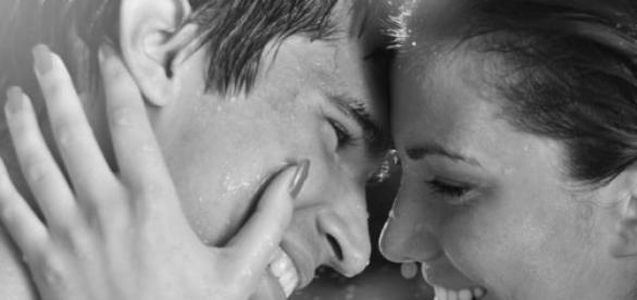 Les 8 signes qu'une femme est amoureuse!