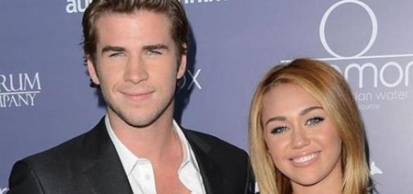 Miley Cyrus com o ex-namorado Liam Hemsworth
