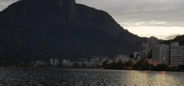 Remadores na Lagoa Rodrigo de Freitas