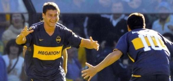 Seba y Román festejando el gol frente a River