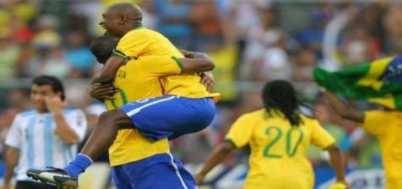 Brasil estreia contra o Peru às 18h30 no domingo