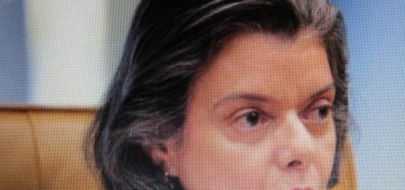 Ministra Carmen Lúcia: contra a censura
