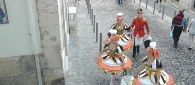 Marchantes preparam-se para marcharnos santos Populares de2013