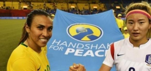 A brasileira Marta, capitã e camisa 10