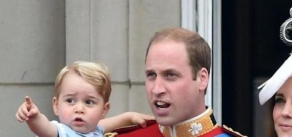 Duques de Cambridge com príncipe George