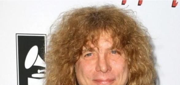 Adler quiere volver a tocar con Guns N' Roses