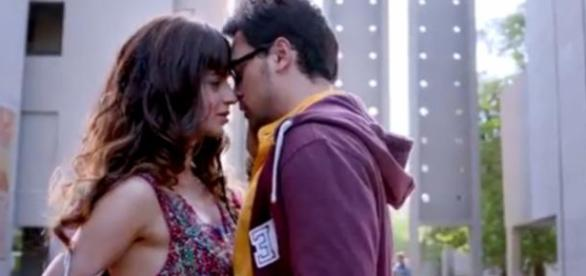 Imran and Kangana get intimate for the first time