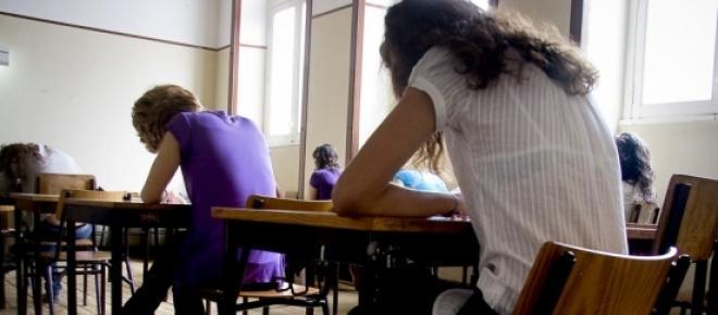Começa hoje a época dos exames em várias escolas do país