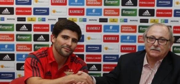 Belone Moreira já veste à Benfica