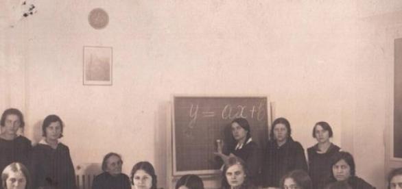 Klasa szkolna w dawnych czasach
