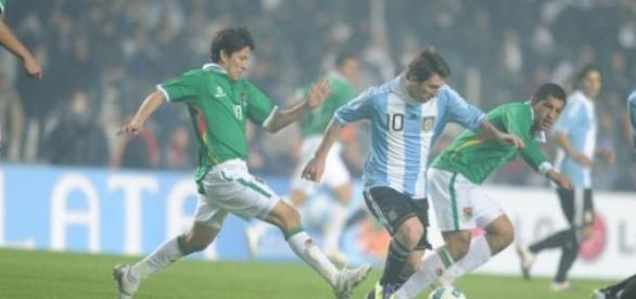 Messi entra hoje em campo contra o Uruguai