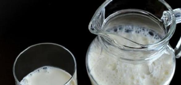 Zdrowe mleko roślinne zrobione w domu w 2 minuty