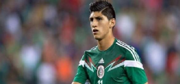 Alan Pulido podría regresar a México