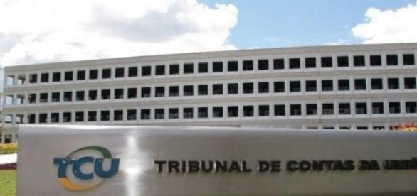 TCU adia votação sobre contas do governo Dilma
