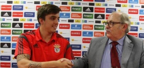 Hugo Lima renova pelo Benfica