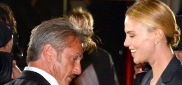 Sean Penn e Charlize Theron terminaram noivado