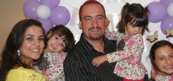 Gláucia, seu esposo e suas 4 filhas!!!
