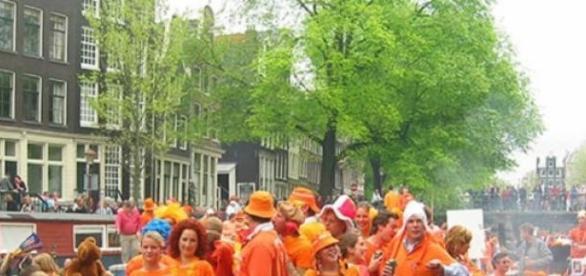 Amsterdam - Dzień Królowej - blog easytobook.com