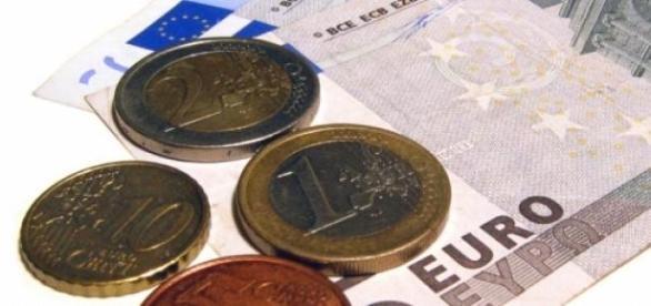 avantaje adoptarea monedei euro