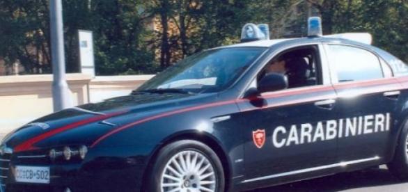 Maşină a poliţiei italiene