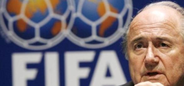 Sepp Blatter presidia a Fifa desde o ano de 1998