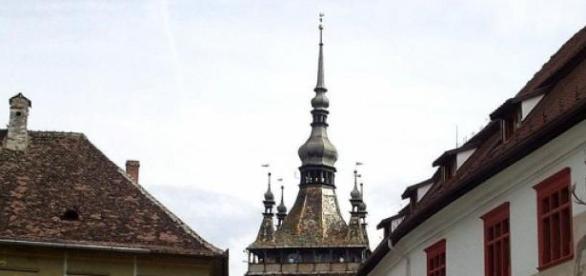 Turnul cu Ceas văzut dinspre Piaţa Mare