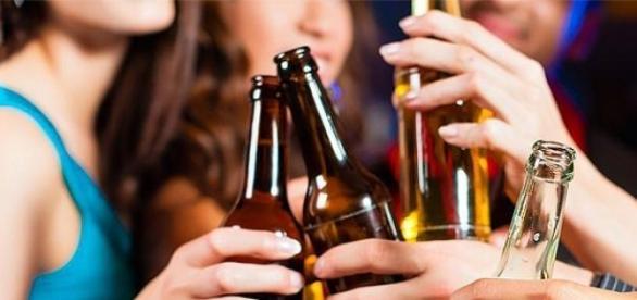 Álcool mata cada vez mais jovens no mundo