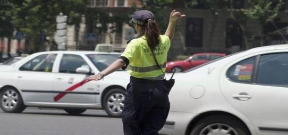 Guardia de tráfico en Madrid
