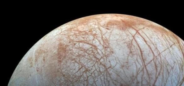 Luna, satelitul natural a lui Jupiter