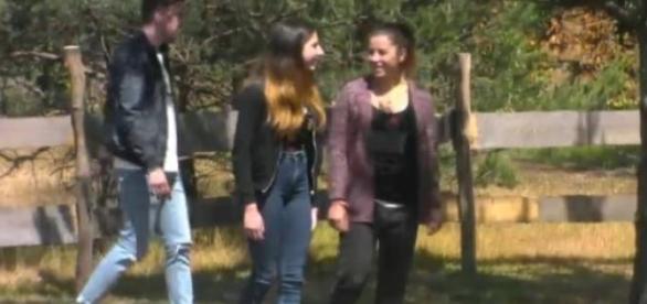 Newtopia-Pionierin Kate mit Schwester und Freund.