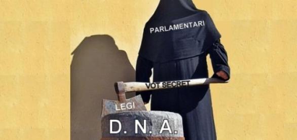 Parlamentar votând secret legi împotriva DNA