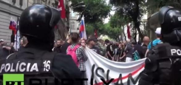 Protest anti islamic la Bratislava