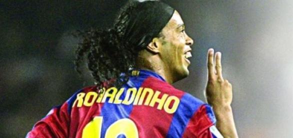 Ronaldinho tras marcar un gol con el F.C.Barcelona