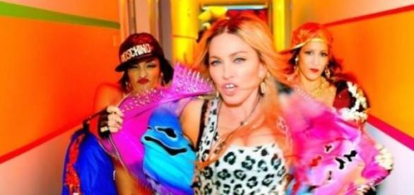 """Madonna dans son clip """"Bitch I'm Madonna""""."""