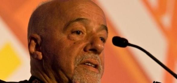 Paulo Coelho em uma entrevista o ano passado