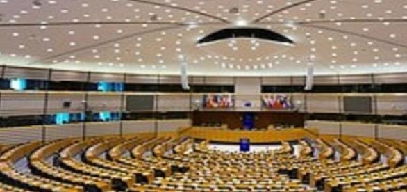 Preşedintele PE îi apără pe români