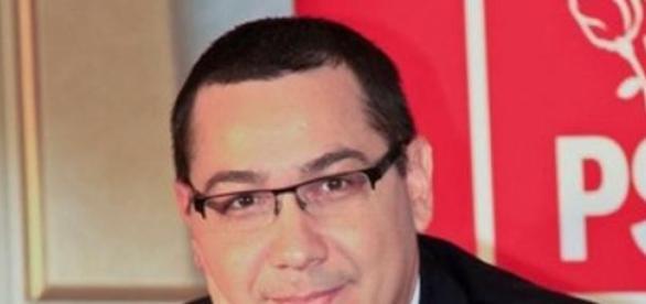 Victor Ponta este foarte activ pe facebook