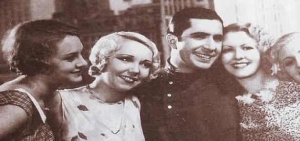 Gardel en una presentación de 1934 en Nueva York