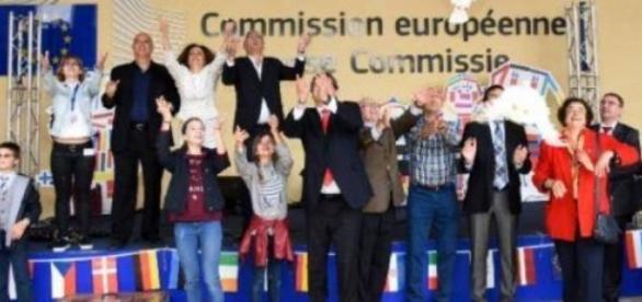 Comisia Europeană funcționează la Bruxelles