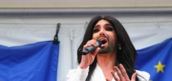 Conchita Wurst na Sabacie Czarownic w Kielcach