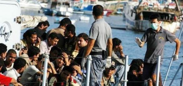 Migrantes chegam sobretudo pelo Mediterrâneo.
