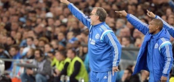 Marcelo Bielsa aux côtés de Franck Passi.