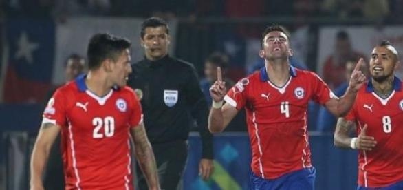 Mauricio Isla scored winner for Chile