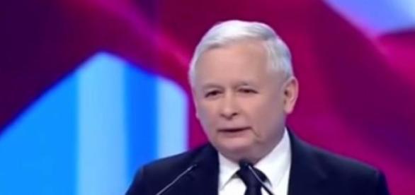 Czy Jarosław Kaczyński steruje Dudą i Szydło?