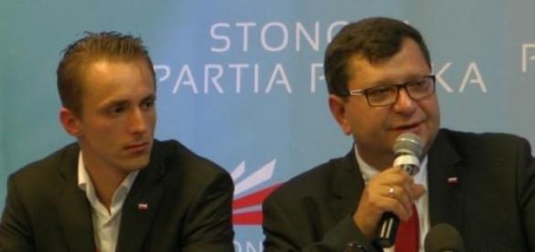 Kamil Całek (z lewej), Stonoga Partia Polska